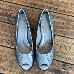 Nurture heels.
